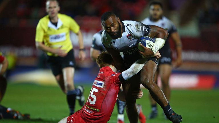 Semi Radradra impressed for Toulon, who picked up a losing bonus-point to qualify for the quarter-finals too