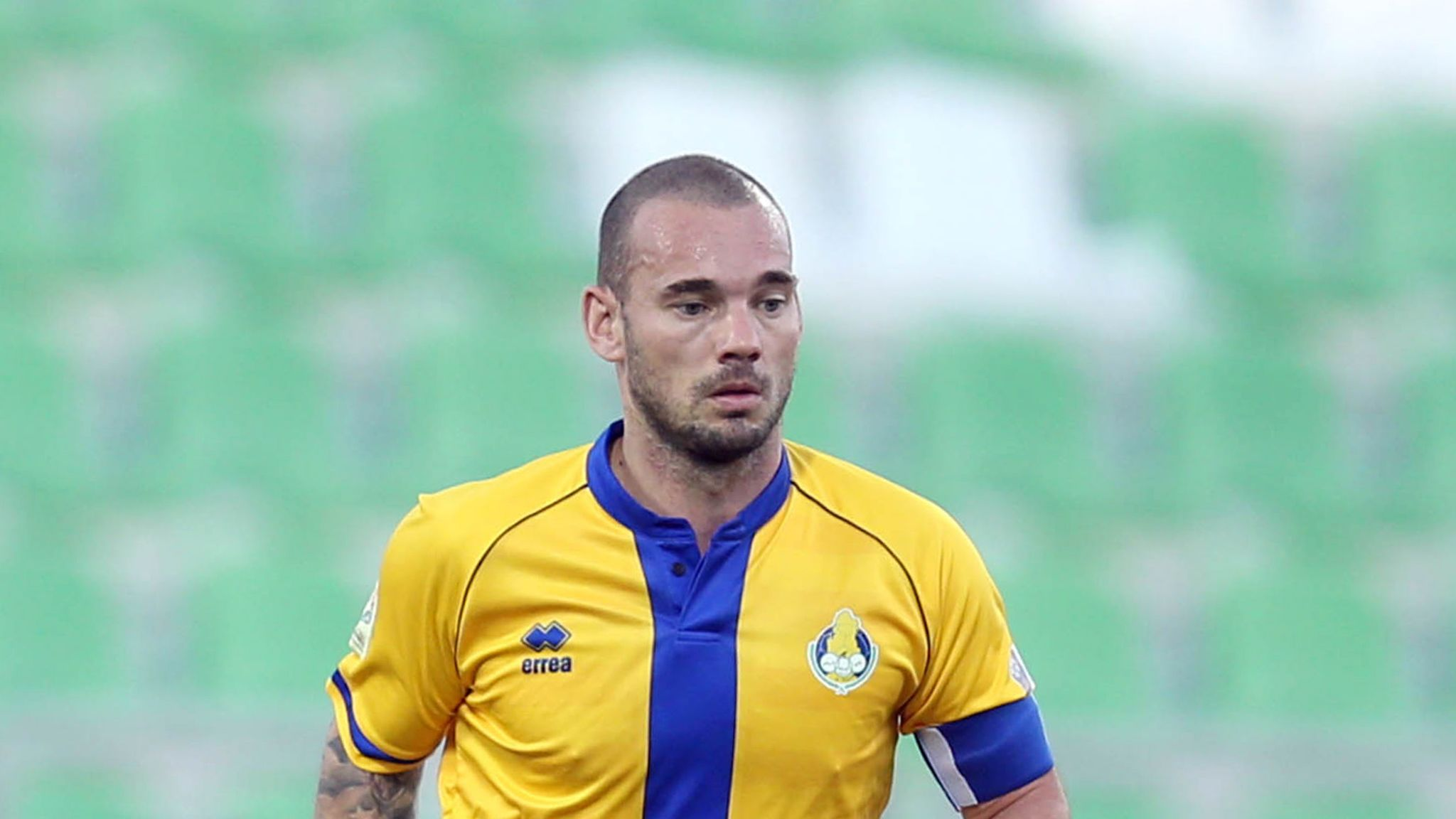 Wesley Sneijder announces his retirement