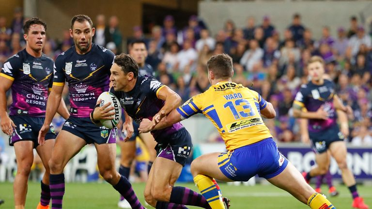 Billy Slater attacking against Leeds in the World Club Challenge
