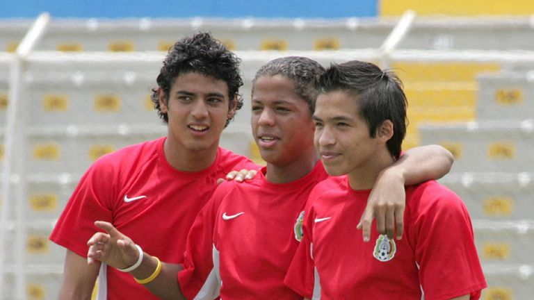 Vela (left) pictured with Mexico at the 2005 U17 World Cup