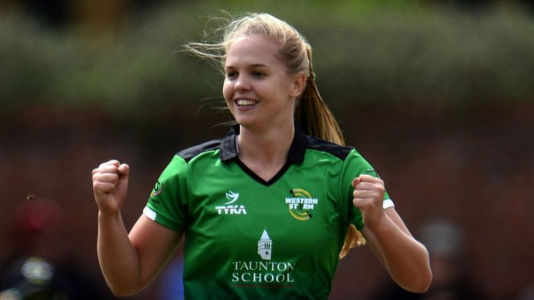 Freya Davies is one of three players to receive new England Women contracts