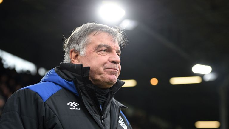 Everton manager Sam Allardyce should not be blamed for the recent slump in form, says Thierry Henry