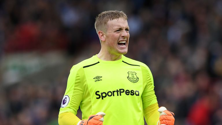 Chelsea target Jordan Pickford is set for contract talks at Everton