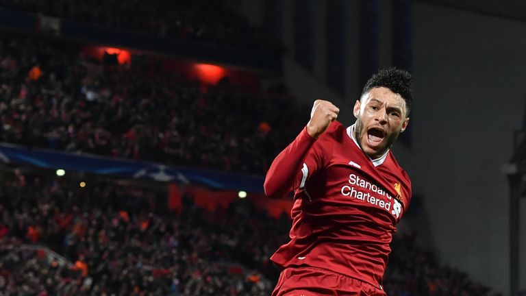 Alex Oxlade-Chamberlain provides fans with an injury recovery update
