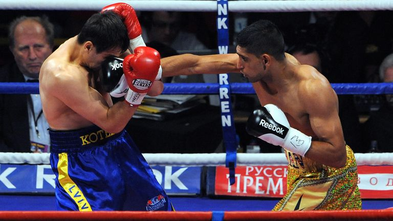 Amir Khan beat Andreas Kotelnik to win his first world title back in December 2009