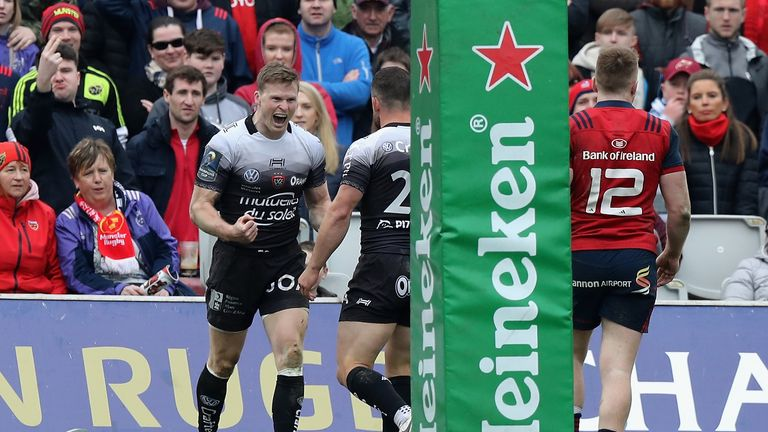 Chris Ashton's polished all round performance looked to have edged Toulon to victory