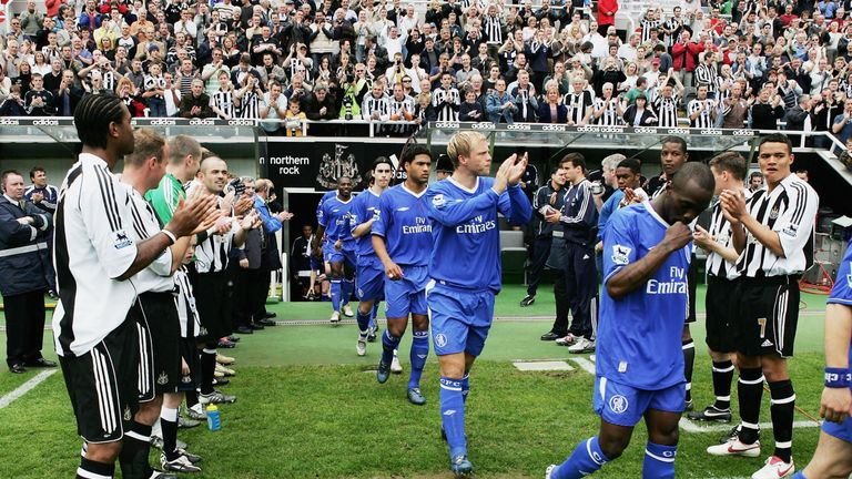 Newcastle players beat Chelsea in 2005