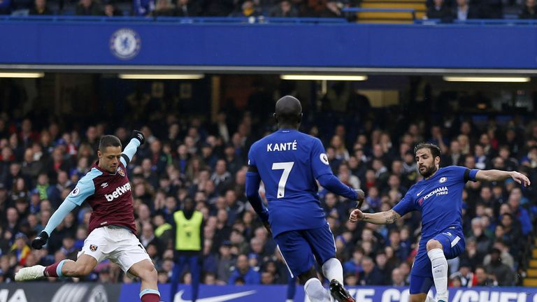 Javier Hernandez scores West Ham's equaliser against Chelsea on Sunday