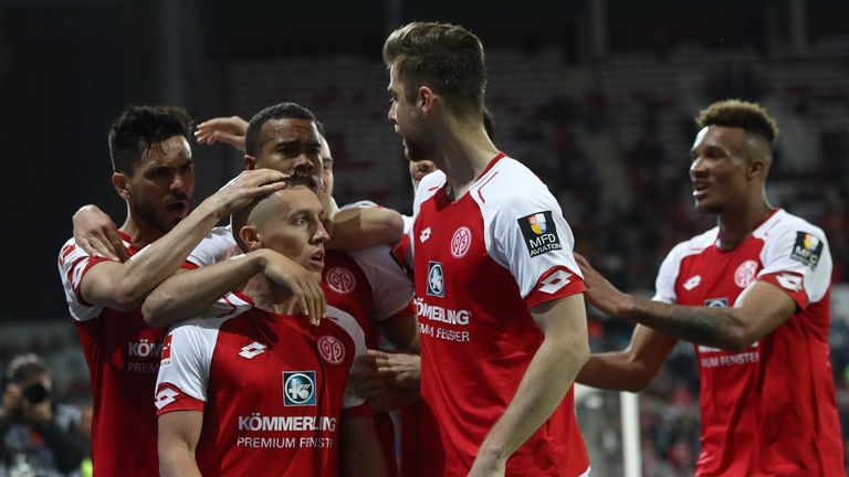 Mainz moved above free-falling Freiburg in the table and up to 15th