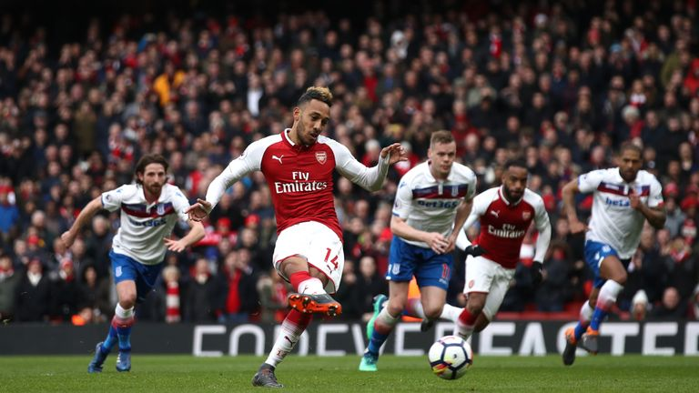 Pierre-Emerick Aubameyang scores from the penalty spot
