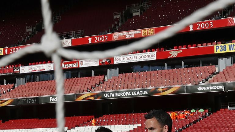 Santi Cazorla trains at The Emirates prior to Arsenal's draw against Atletico Madrid