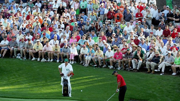 Tiger's famous chip at the 16th during the final round of the 2005 Masters