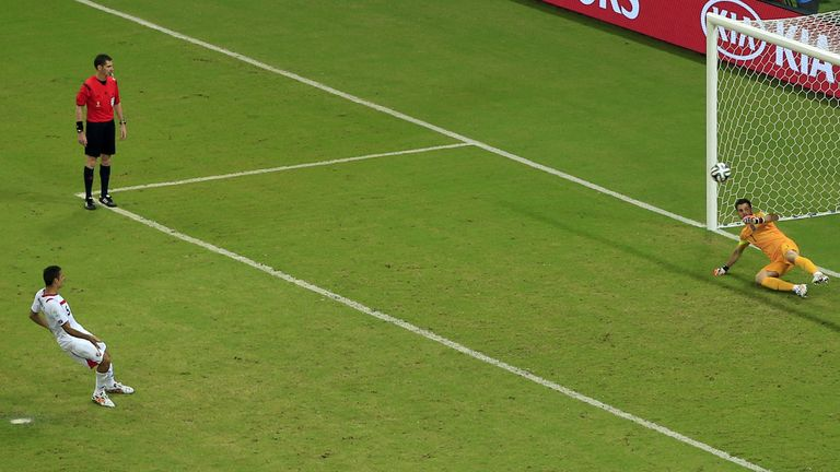 Celso Borges scored from the spot against Greece at the 2014 World Cup
