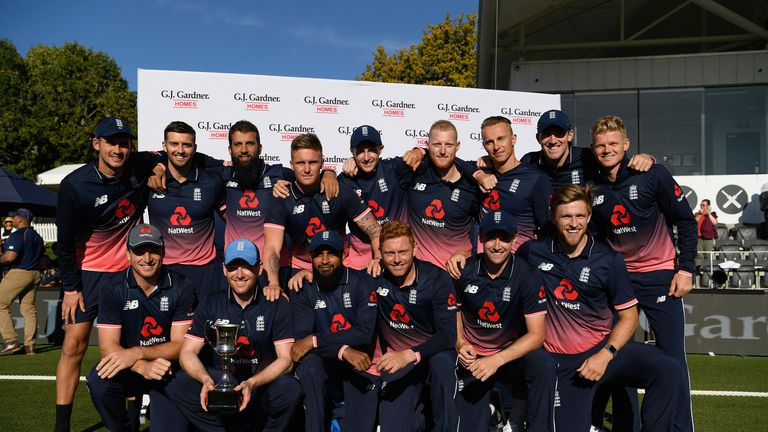 England celebrate their 3-2 ODI success over New Zealand
