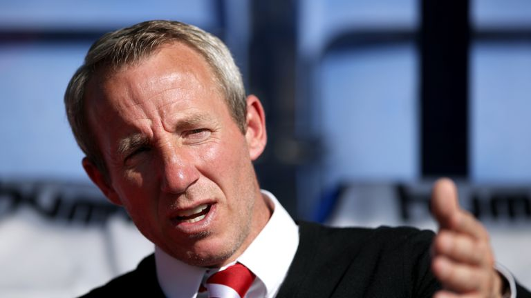 Charlton boss Lee Bowyer has a accepted a FA fine