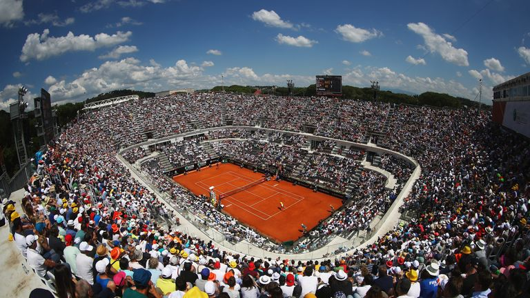 Court Centrale at Foro Italico was packed to the rafters