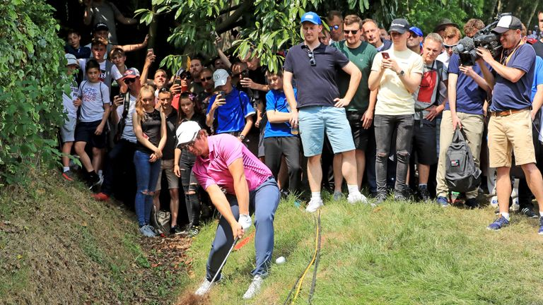 Horsfield was forced to play his second shot on the fourth from a ditch