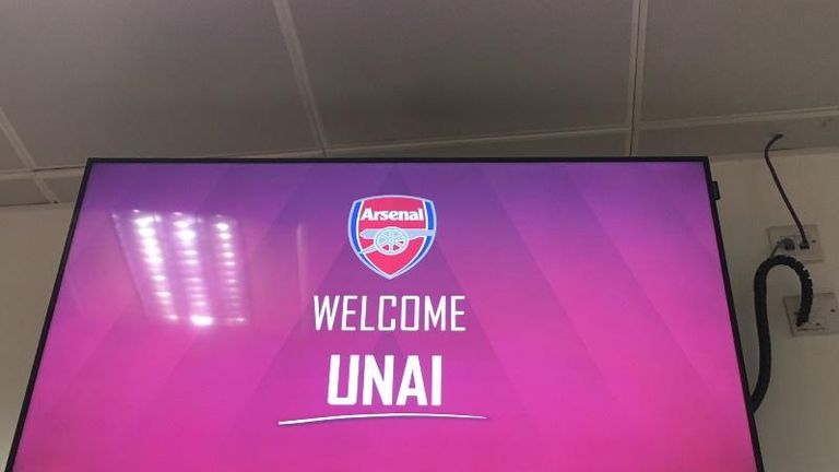 Emery was welcomed at the Emirates Stadium for the first time as Arsenal's new head coach