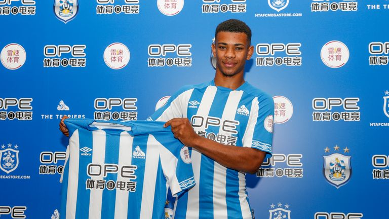 Juninho Bacuna has signed for Huddersfield