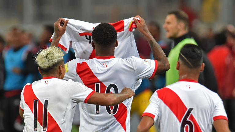Raul Ruidiaz, Jefferson Farfan and Miguel Trauco showed a number nine jersey in support of Paolo Guerrero during their 2018 World Cup qualifying play-off second leg against New Zealand