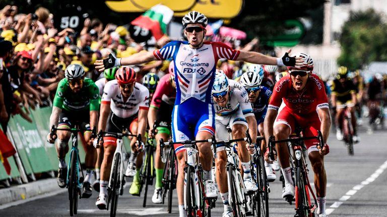 Arnaud Demare sprints to victory in Pau