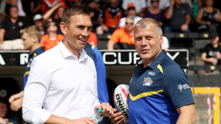 Leeds' new director of rugby Kevin Sinfield speaks to James Lowes before the game