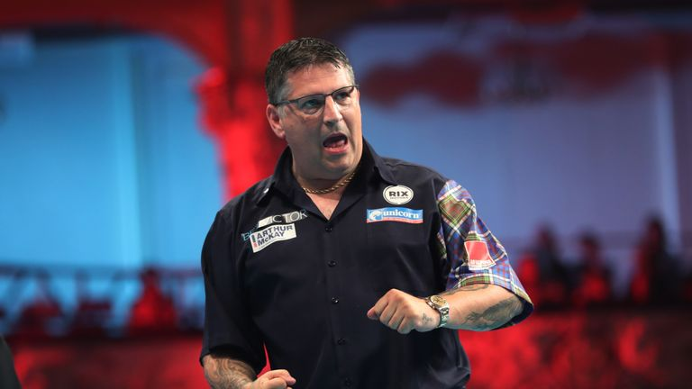 BET VICTOR WORLD MATCHPLAY 2018.WINTER GARDENS,.BLACKPOOL.PIC;LAWRENCE LUSTIG.ROUND1.GARY ANDERSON V STEPHEN BUNTING.GARY ANDERSON  IN ACTION.