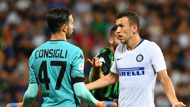 Ivan Perisic (R) was unable to score as Inter Milan lost at Sassuolo