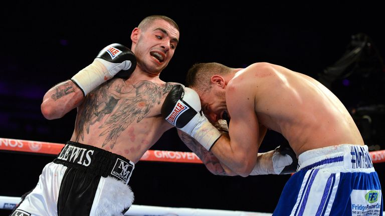 Laight (R) has lost to Lewis Ritson