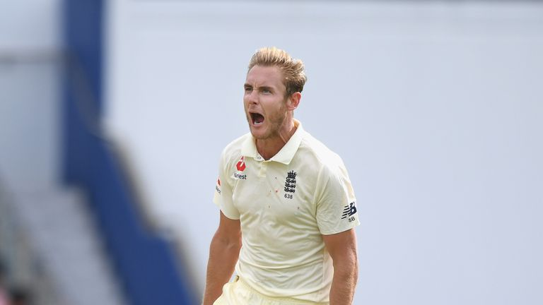Stuart Broad claimed two early wickets to keep England's hopes alive