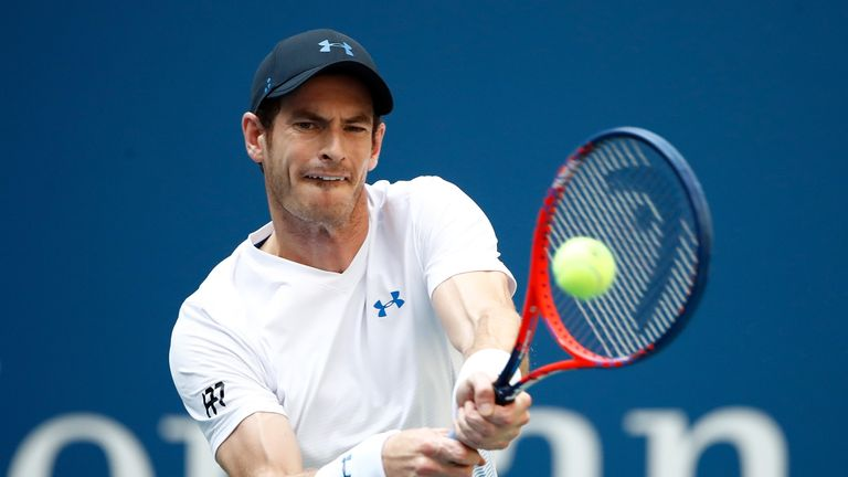 Sheepish Murray comically drops commemorative plate in China