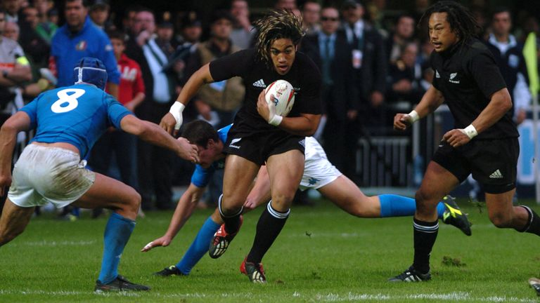 Ma'a Nonu (L) and Tana Umaga (R) played together for the All Blacks and the Hurricanes