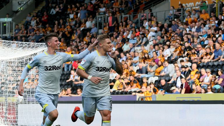 Martyn Waghorn celebrates scoring from the penalty spot