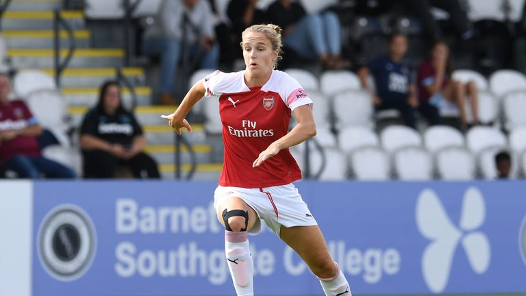 Vivianne Miedema scored a hat-trick and assisted the other two goals as Arsenal thrashed Liverpool 5-0