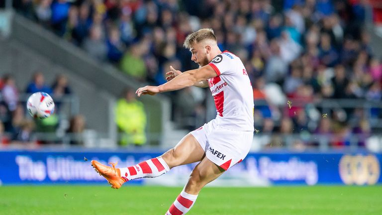 Danny Richardson kicking one of his three drop goals on the night
