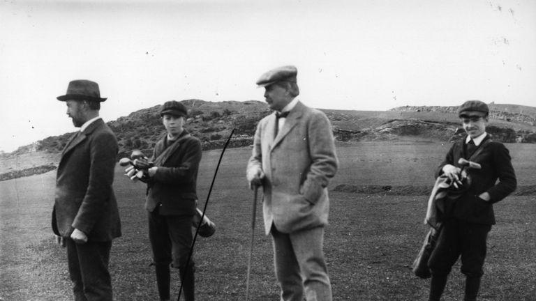 David Lloyd George surveys Walton Heath in around 1910