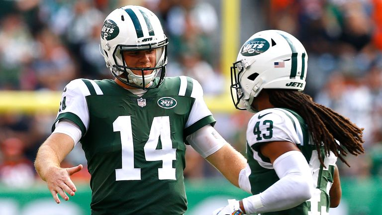 Rookie quarterback Sam Darnold leads the Jets into battle against the Vikings in Week Seven
