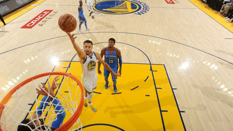 OAKLAND, CA - OCTOBER 16:  Stephen Curry #30 of the Golden State Warriors