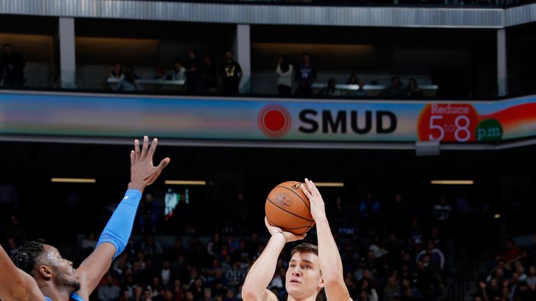 Bogdan Bogdanovic in action for the Sacramento Kings against the Oklahoma City Thunder