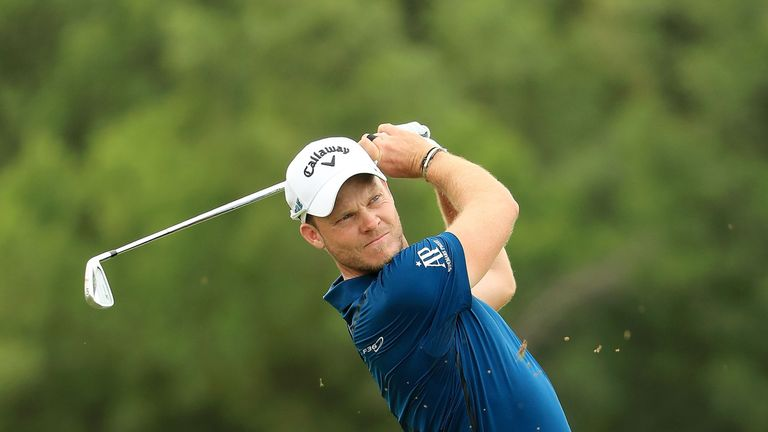 Willett is tied for the lead with Patrick Reed with one round remaining in Dubai