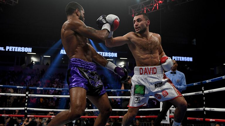 Avanesyan (R) lost a WBA world title fight to Lamont Peterson via a unanimous decision in 2017