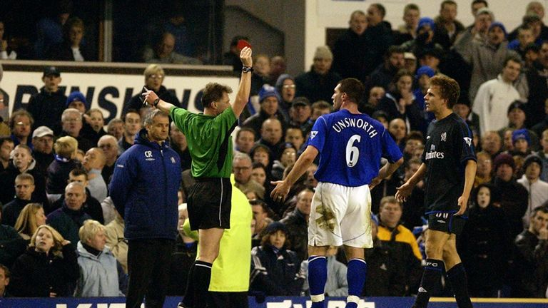 Eddie Wolstenholme refereeing a match between Everton and Chelsea in 2002