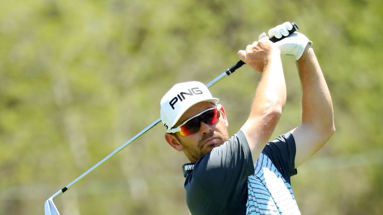 Oosthuizen double-bogeyed the 18th to lose second place