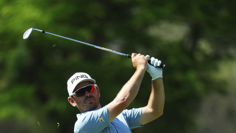 Louis Oosthuizen is one off the halfway lead
