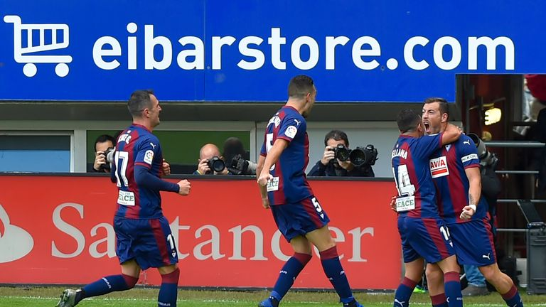 Eibar players celebrate during the comprehensive victory