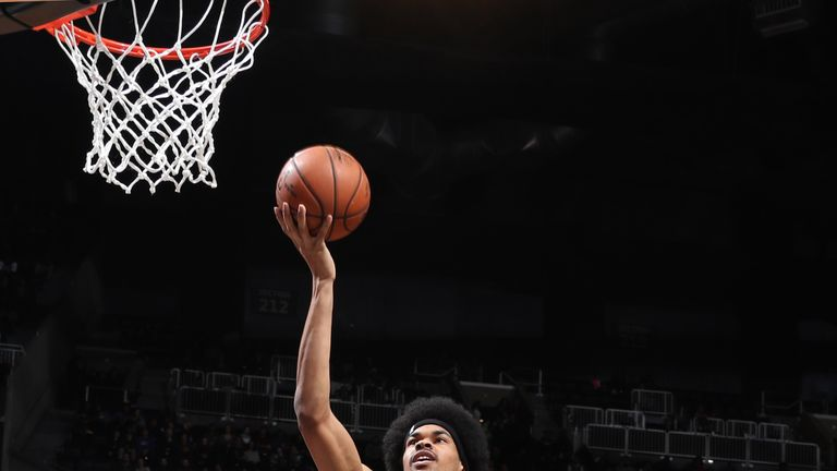 Jarrett Allen scores with a lay-up