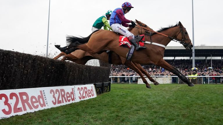 La Bague Au Roi clears the last in a thrilling Kauto Star