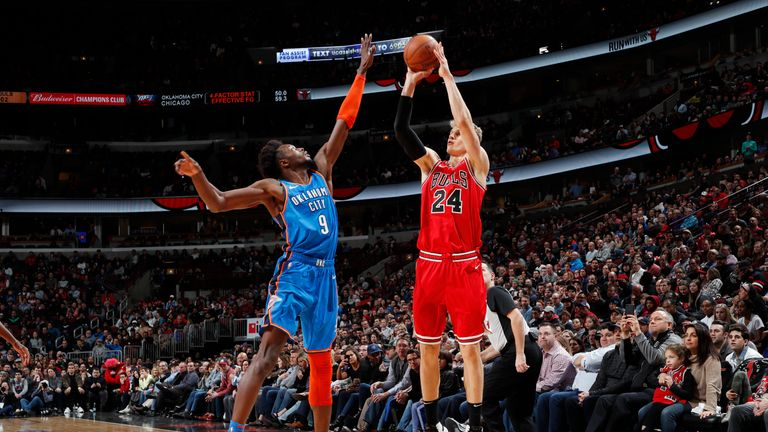 Lauri Markkanen of the Chicago Bulls shoots the ball against the Oklahoma City Thunder on December 7, 2018
