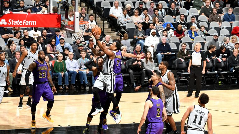 DeMar DeRozan of the San Antonio Spurs shoots the ball against the Los Angeles Lakers on December 7, 2018