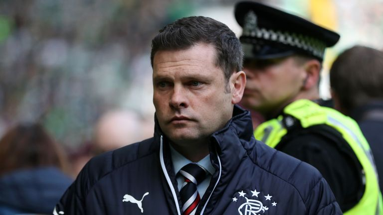 Former Reading defender Graeme Murty is available after leaving Rangers